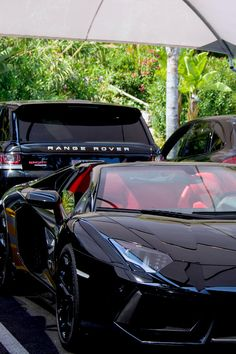 "lemme-holla-at-you: "" thevisualrepublic: "" Amazing Aventador Roadster + Range Rover 