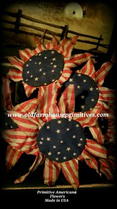 Primitive Americana Flowers (Made In USA) - Wood Crafts Americana Crafts, Patriotic Crafts, Country Crafts, July Crafts, Primitive Crafts, Summer Crafts, Holiday Crafts, Diy And Crafts, Primitive Patterns