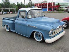 old pickup trucks Chevy Pickup Trucks, Classic Chevy Trucks, Gm Trucks, Chevy Pickups, Chevrolet Trucks, Cool Trucks, Classic Cars, Chevy Classic, Chevrolet Silverado
