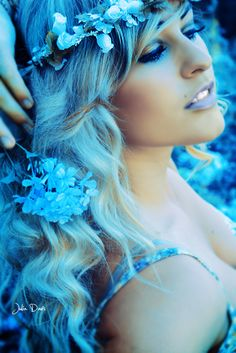 Beautiful colorful pictures and Gifs: Blue Sexy Girls Ombré Hair, Her Hair, Love Blue, Aqua Blue, Color Blue, Jose Luis Rodriguez, Bleu Violet, Mint, Sexy Girl