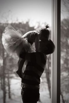 30 great songs for Your Father Daughter Dance Father Daughter Photography, Father Daughter Photos, Father Daughter Dance, Love You Papa, You Are The Father, Selena, Father Images, Cute Baby Girl Images, Daddys Princess