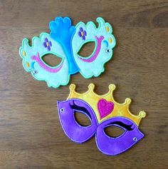 Items similar to In The Hoop Princess Mask Set Embroidery machine applique designs on Etsy Machine Applique Designs, Applique Embroidery Designs, Machine Embroidery Applique, Custom Embroidery, Embroidery Thread, Craft Activities For Kids, Crafts For Kids, Mask Party, Halloween Design