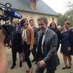 Nicolas #Sarkozy dans une ferme à Douville dans le #calvados promet 34 milliards de baisse de charges pour 2017 notamment dans l'agriculturepic.twitter.com/TMLmvsAi6s