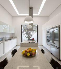 Residência Jaraguá - SP / Fernanda Marques #cozinha #kitchen #dining #lighting