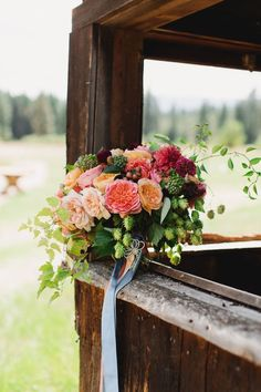 Colorfully Rich Washington Wedding - MODwedding