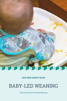 Die Vorteile des baby-led weanings waren für uns schnell zu erkennen. Böhnchen kann das Essen selbst anfassen und erforschen. Der Prozess des Essens ist somit auch aufwändiger und manchmal frustrierend. Jeder Bissen wird genauestens untersucht und von allen Seiten angestarrt. Baby Led Weaning, Daddy, Blog, Home Decor, Exploring, Benefits Of, Eten, Decoration Home, Room Decor