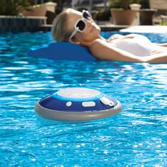 Floating Bluetooth speaker for the perfect pool party. Get a pool. Get one of these waterproof Bluetooth floating speakers. Waterproof Bluetooth Speaker, Bluetooth Speakers, Bluetooth Gadgets, Wireless Earbuds, Earbuds For Small Ears, My Pool, Pool Fun, Summer Pool, Cool Tech