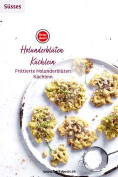 Der Klassiker von früher: die frittierten Holunder-Küchlein. Sie schmecken ganz frisch am besten. Cereal, Breakfast, Food, Deep Frying, Sweet Recipes, Fresh, Cakes, Food Food, Morning Coffee