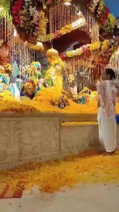 Radha Krishna Songs, Krishna Flute, Baby Krishna, Cute Krishna, Radha Krishna Love, Lord Krishna Images, Krishna Photos, Holi Girls, Diwali Wishes In Hindi