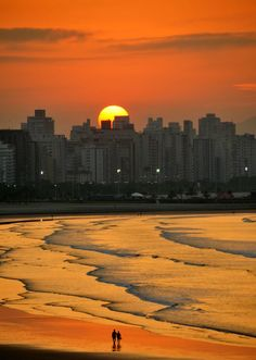 Sunrise walk on the beach, São Vicente - São Paulo, Brazil (by Criss Cristina). Places To Travel, Places To See, Places Around The World, Around The Worlds, Beautiful World, Beautiful Places, Amazing Sunsets, Beautiful Sunrise, Beach Walk