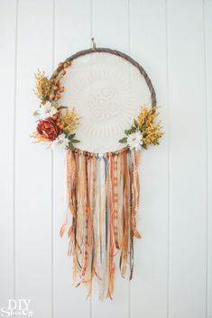 hula hoop reifen dekorieren traumfänger basteln We believe tattooing could be a method that's been used since the full time … Diy Fall Wreath, Wreath Crafts, Fall Diy, Diy Crafts, Summer Wreath, Wreath Ideas, Clay Pot Crafts, Winter Wreaths, Spring Wreaths