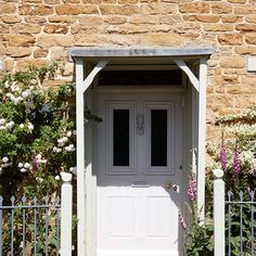 Rustic French Nordic Cottage Interiors in Cotswolds - Hello Lovely Cotswold Cottage Interior, Cottage Exterior, Dream House Exterior, Porch Uk, Cottage Porch, Cottage Homes, French Cottage, Cottage Style, Porch Designs Uk