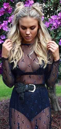 40 Festival Style Ideas or How To Look Boho Chic at Coachella transparent outfit - black on black Festival Hair, Festival Outfits, Festival Fashion, Festival Style, Black Girls Hairstyles, Cool Hairstyles, Coachella Hair, Coachella Festival, Edgy Updo