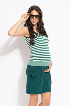Viva la Mama | Nursing and maternity dress RIMINI (green/stripes). This short dress is your beautiful companion during the pregnancy, for discreet breastfeeding and after the nursing period as well as a wonderful gift for Valentine's Day, birth or baby shower! It is perfectly suitable to enjoy the pregnancy and nursing time in spring and summer. :)