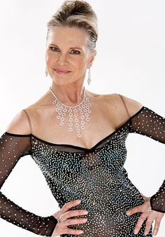 Grethe Fox is a South African actress best known for her role as Karen van Niekerk in the drama series Soul City, from South African Celebrities, African Actresses, Looking Gorgeous, Beautiful, African History, Aging Gracefully, African Beauty, Good Old, Persona