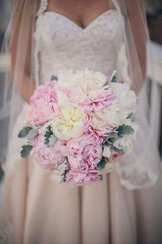 Stunning Wedding Bouquet - Richard Bell Photography