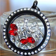 Alabama Crimson Tide college football locket necklace – SportLockets.com