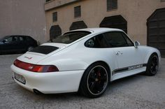 993 4S Techart wheels and classic striping. Very cool !
