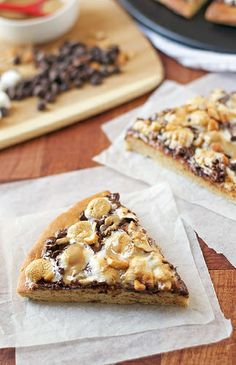 Peanut Butter S'mores Pizzas