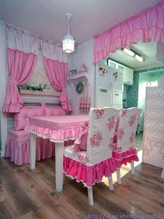 Kitchen Curtains – Too Many Windows in Your Kitchen Furniture Covers, Chair Covers, Table Covers, Kitchen Curtain Designs, Kitchen Curtains, Decoration Shabby, Shabby Chic Decor, Living Room Decor, Bedroom Decor