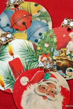 DIY Christmas Ornaments or Package Tags - Purchase wood ornament shapes at any craft store. Use Modge Podge to attach vintage Christmas wrapping paper to the ornament shapes. Finish off the top of the ornament with ribbon or trim. Christmas Present Tags, Christmas Card Crafts, Old Christmas, Christmas Paper, Retro Christmas, Christmas Projects, Holiday Crafts, Christmas Decorations, Vintage Christmas Wrapping Paper