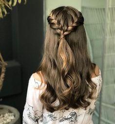 2019 Lindos Peinados con Trenzas - Fácil Paso a Paso - - Medium Hair Styles, Natural Hair Styles, Short Hair Styles, Braids Medium Hair, Ponytail Hairstyles, Pretty Hairstyles, Half Braided Hairstyles, Hairstyles 2018, Prom Hairstyles For Long Hair Curly