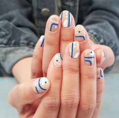 Elevate Your Beauty Game With These Chic Abstract Nail Art Designs Loading. Elevate Your Beauty Game With These Chic Abstract Nail Art Designs Minimalist Nails, White Nail Art, White Nails, Gorgeous Nails, Pretty Nails, How To Do Nails, Fun Nails, Nail Art Blanc, Nagellack Trends