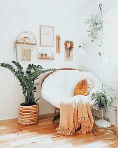 Cute Bedroom Decor, Room Ideas Bedroom, Bedroom Inspo, Teen Bedroom Inspiration, 10 Bedroom House, Study Room Decor, Dream Bedroom, Girl Bedroom Designs, Boho Room