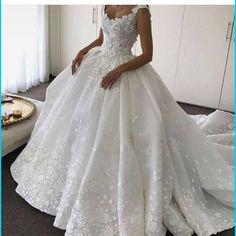 Iste mutluluk :)) #wedding #dügün #gelin #gelinlik #bride #brideness  #henna #kina #ozel #ask @dantel #isleme #beyaz http://gelinshop.com/ipost/1518057415551471604/?code=BUROS0ql8_0