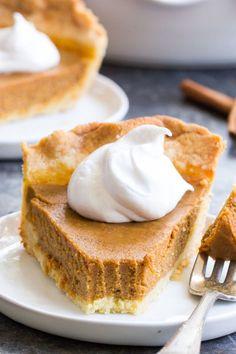Classic Paleo Pumpkin Pie {with Crust Recipe}. Classic Paleo Pumpkin Pie {with Crust} Recipes This classic Paleo Pumpkin Pie is just as delicious as any traditional pie you've made! Pumpkin Pie Crust, Paleo Pumpkin Pie, Pumpkin Custard, Pumpkin Pie Recipes, Pumpkin Pies, Paleo Dessert, Paleo Sweets, Dessert Recipes, Paleo Recipes