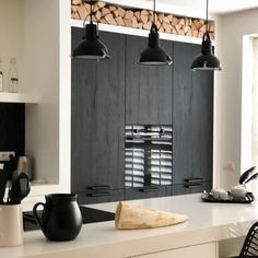 Cabin Kitchens, Cool Kitchens, Küchen Design, Simple House, Kitchen Furniture, Interior Styling, Sweet Home, New Homes, Ceiling Lights
