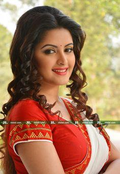 Beautiful Girl In India, Beautiful Girl Photo, Beautiful Women Pictures, Beautiful Saree, Gorgeous Women, Beautiful Bollywood Actress, Most Beautiful Indian Actress, Beautiful Actresses, Cute Beauty