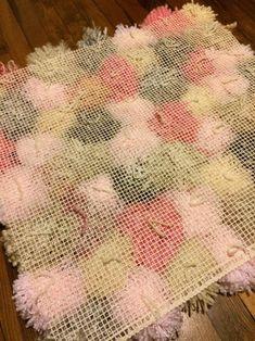 Pom Pom Rug – Rug making Diy Carpet, Rugs On Carpet, Stair Carpet, Hall Carpet, Cheap Carpet, Boho Dekor, Pom Pom Crafts, Diy Pom Pom Rug, Diy Cushion