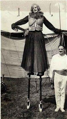 21 Vintage Clown Photos That Will Make Your Skin Crawl