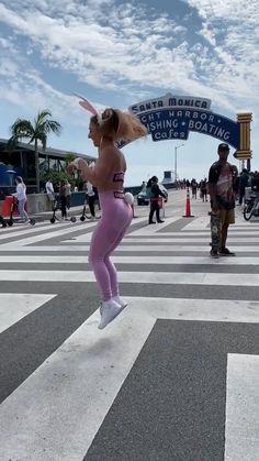 Funny Videos Clean, Super Funny Videos, Funny Videos For Kids, Funny Video Memes, Funny Short Videos, Gymnastics Tricks, Gymnastics Workout, Dance Choreography Videos, Dance Videos