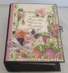 Handgemachtes Fotoalbum Chrysanthemen, Scrapbook Album Chrysanthemen, Fotobuch Scrapbooking Album, Decorative Boxes, Bloom, Etsy, Forever Young, Flowers, Awards, Chrysanthemums, Photos
