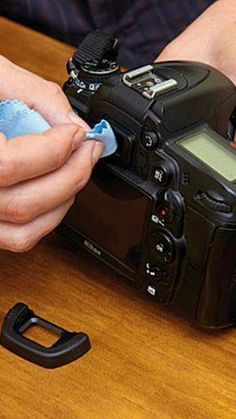 DSLR Tips ~ How to Clean Your Camera Like a Pro . I found website about… Tips ~ How to Clean Your Camera Like a Pro . I found website about… Dslr Photography Tips, Photography Cheat Sheets, Photography Lessons, Photoshop Photography, Photography Equipment, Photography Tutorials, Photography Business, Digital Photography, Photography Office