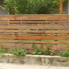 Ravishing Front yard fence materials,Backyard fence lighting ideas and Wooden fence gate designs. Diy Fence, Fence Landscaping, Backyard Fences, Garden Fencing, Fenced In Yard, Pallet Fence, Fence Stain, Farm Fence, Pool Fence
