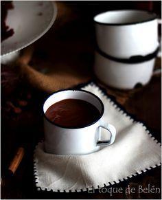 Chocolate a la taza Mexicano especiado , sin duda uno de los más ricos que he probado, no os lo perdáis ahora que llega el frío, una t... Cold Drinks, Tableware, Recipes, Rest, Ideas, Pastries, Mexican, Xmas, Cool Drinks