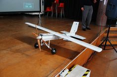 A close view of the finished CTOL airframe on stage. Photo licensed Attribution-NonCommercial-ShareAlike 2.0 Generic (CC BY-NC-SA 2.0) by Andrew Back (carrierdetect).