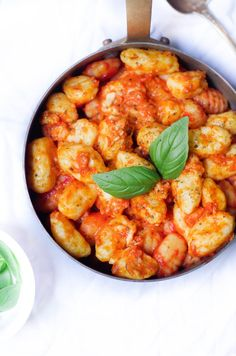 Homemade gnocchi with tomato and goat sauce - Marine is Cooking - - Easy Chicken Recipes, Veggie Recipes, Healthy Dinner Recipes, Cooking Recipes, Crispy Honey Chicken, Plats Healthy, Gnocchi Recipes, Cooking Gnocchi, Savoury Dishes