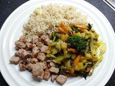 Foodie in Translation: Cubetti di maiale con riso integrale e verdure mis...