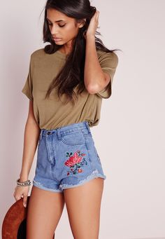 Missguided - Rose Embroidered Denim Shorts Blue