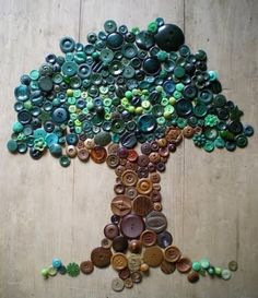 I think this is cool- a button tree-It's Written on the Wall: Can You Really Dye Buttons For your Craft Projects? Yes you Can! This link takes you to all kinds of cool button craft links. Crafts To Do, Arts And Crafts, Tree Crafts, Decor Crafts, Cuadros Diy, Do It Yourself Decoration, Art Mural, Crafty Craft, Diy Art