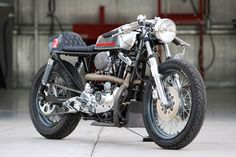 RocketGarage Cafe Racer: Naked Cafe Racer Ironhead