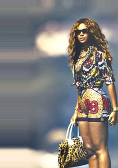 Beyonce in African inspired print!! Love it!
