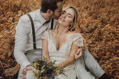 Los 10 mejores fotógrafos de matrimonios en Medellín: ¡el registro perfecto de tus emociones! Couple Photos, Couples, Wedding Dresses, Fashion, Magick, Boyfriends, Couple Shots, Bride Dresses, Moda
