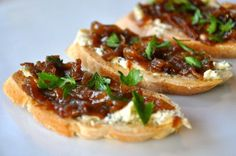 Blue Cheese Toasts with Caramelized Onions
