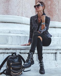 911 Likes, 8 Comments - Manhattan Fashion Styles ( on . 911 Likes, 8 Com Mode Outfits, Winter Outfits, Fashion Outfits, Womens Fashion, Fashion Trends, Fashion Styles, Fashion News, French Fashion, Look Fashion
