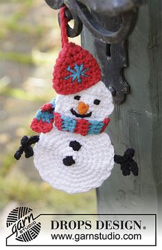 DROPS Christmas Crochet Snowman Ornament Free Pattern